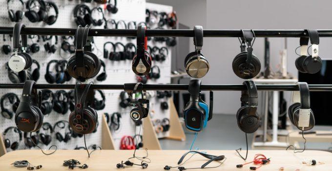 6 Best Headphones Under $50 – 2021 Buying Guide & Reviews
