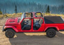 8 Best Jeep Gladiator Tonneau Covers To Buy in 2021