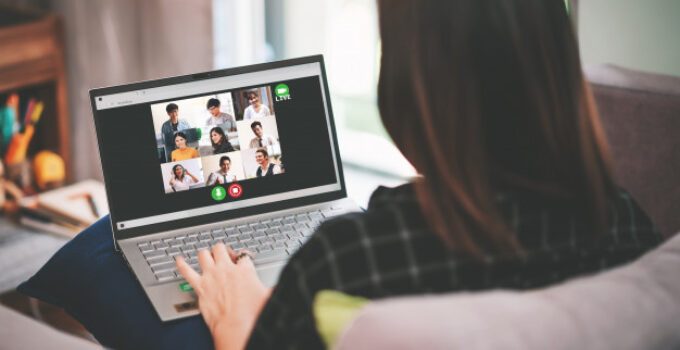 7 Cool Virtual Team Building Activities For Students to Try in 2021