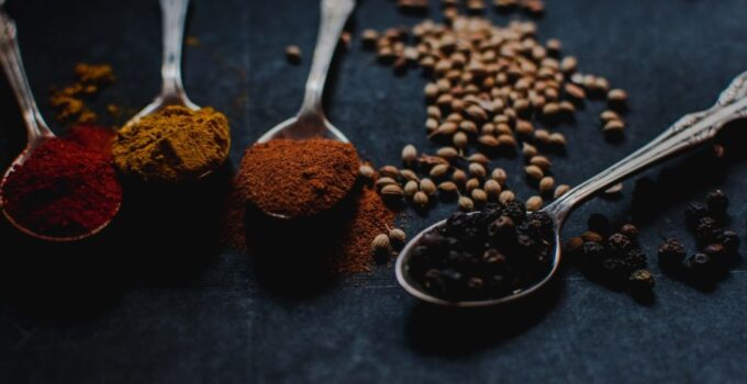 4 Tips on Using and Mixing Herbs and Spices