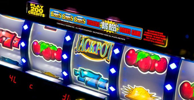 Is There Any Difference Between Online slots and Online Pokies