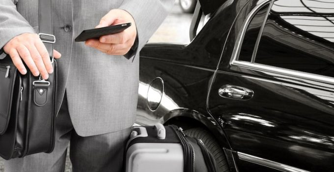 6 Reasons to Rent a Luxury Car on Your Business Trip