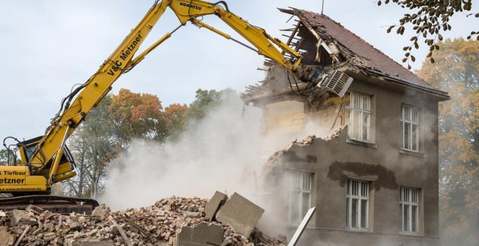 6 Signs You Need to Demolish Your Home Instead of Renovating it