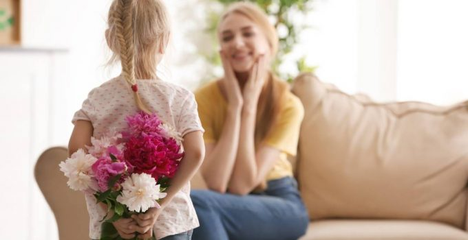 10 Ways To Give Your Mom the Mother's Day She Deserves