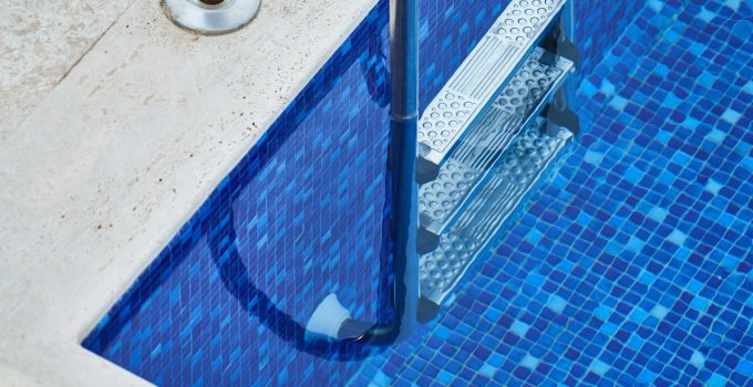 How to Prepare Your Swimming Pool For resurfacing – 2021 Guide