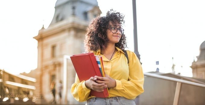 Tips on How to Improve Your Academic Performance – 2021 Guide
