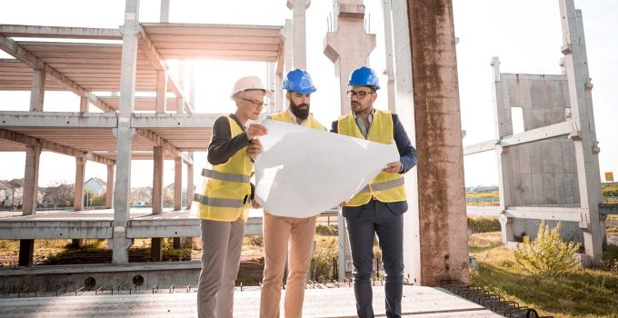 8 Things to look for when hiring a local contractor