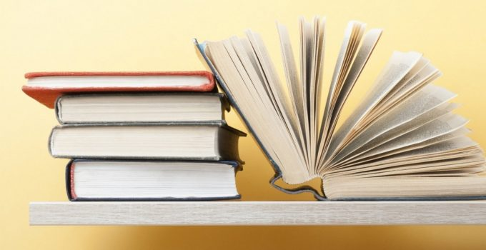 Books in English: 7 Books that Everyone Must Read – 2021 Guide