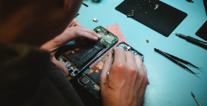 6 Common Mobile Phone Repairs You Can Easily DIY