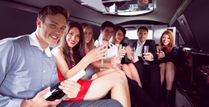 9 Signs You Are Overpaying For Your Limo Services – 2021 Guide