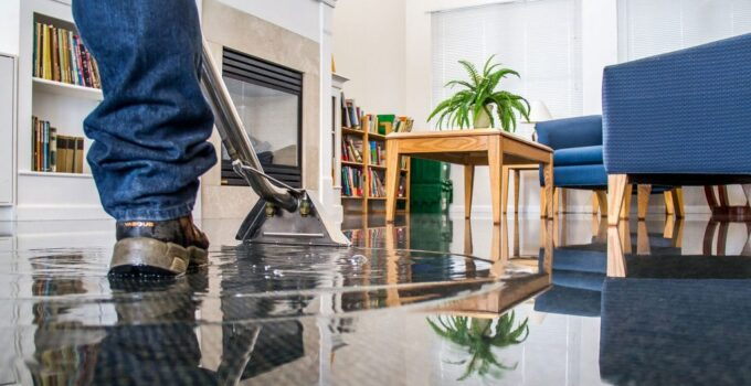 Why Immediate Water Damage Restoration Can Be Helpful?