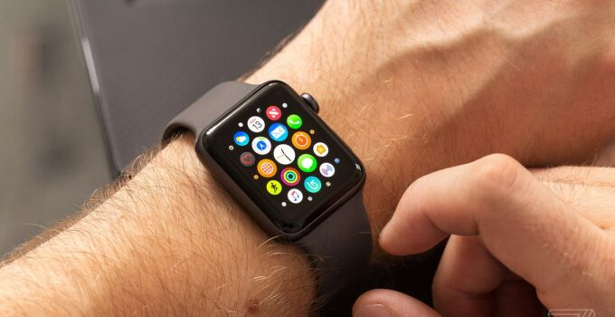 Pros and Cons of Buying an Apple Watch on A Carrier vs. Unlocked