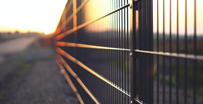 What Are the Benefits of Welded Mesh Fencing