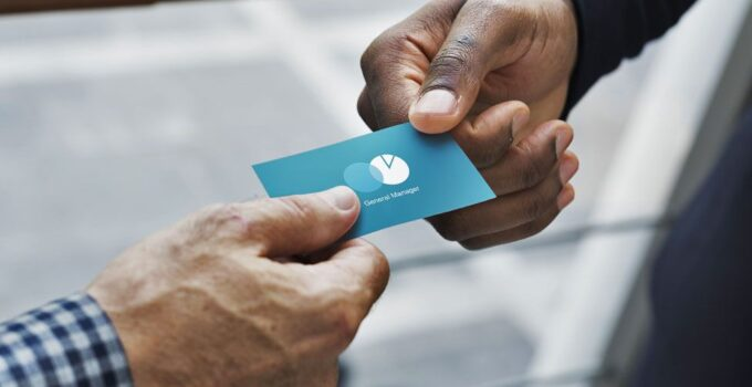 How to Design an Effective Business Card – 2021 Guide
