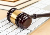 Pros and Cons of Using Online Legal Services for Your Business