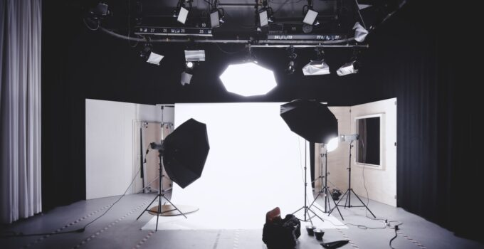 4 Mistakes to Avoid When Buying a Photography Backdrop – 2021 Guide