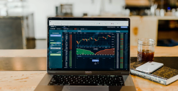 How to Earn Money Through Day Trading