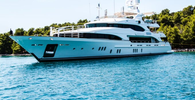 6 Tips to Selling Your Yacht Fast and Efficiently