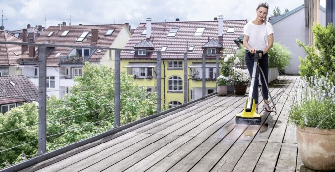 How to Safely and Effectively Power Wash Your Wood Deck