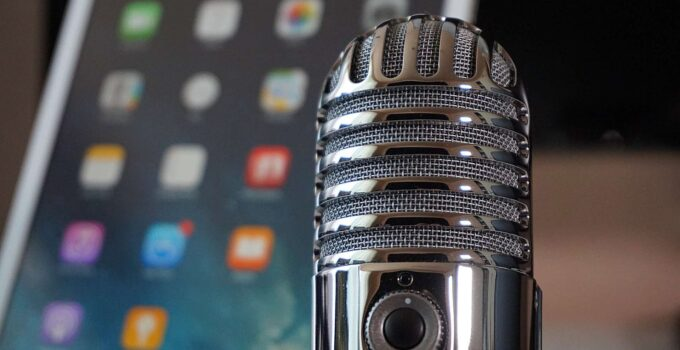 How To Add An External Microphone For Cell Phone