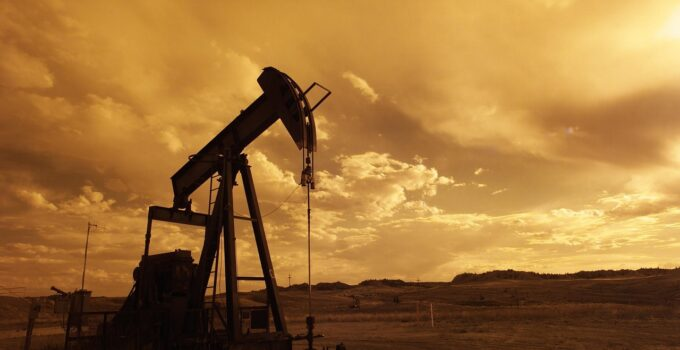 6 Main Factors That Affect the Price of Oil & Gas